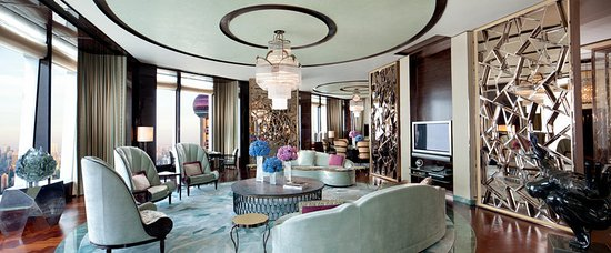 The Ritz-Carlton Shanghai, Pudong: Stay in a luxurious and spacious Suite
