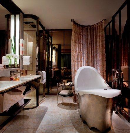 The Ritz-Carlton Shanghai, Pudong : Bathroom