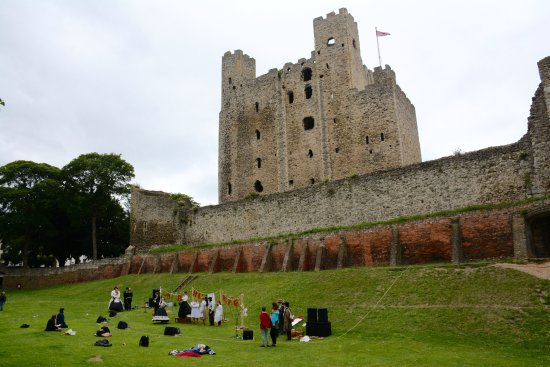 A play plays out in front of Rochester Castle