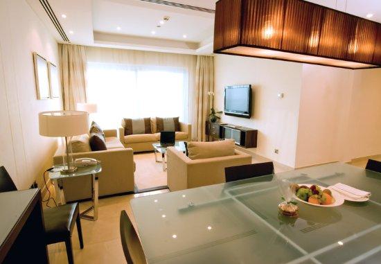 Bonnington Jumeirah Lakes Towers: Apartments Living Room at Bonnington Jumeirah