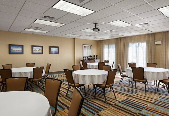 Elizabeth City, North Carolina: McPherson Meeting Room – Banquet Setup