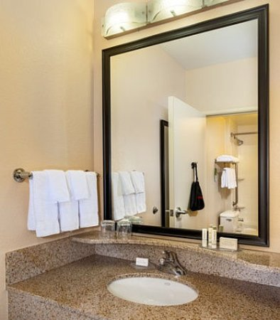 Modesto, Californië: Suite Bathroom Vanity