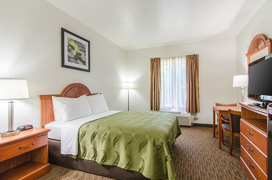 Junction City, KS: Queen room