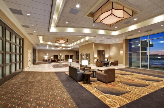 Hampton Inn & Suites by Hilton Aberdeen: Prefunction Area