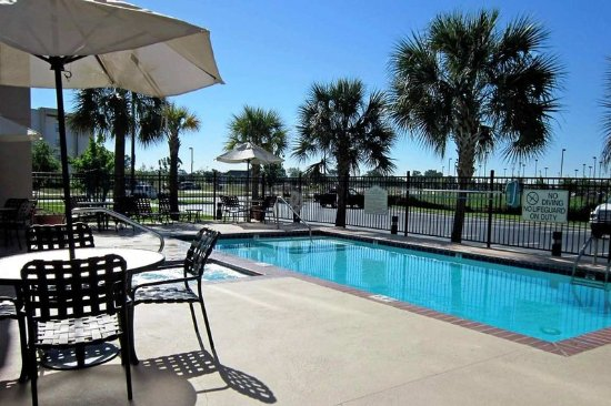 Hilton Garden Inn Baton Rouge Airport: Swimming Pool
