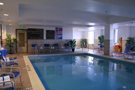 Lathrop, Kalifornien: Indoor Pool and Whirlpool
