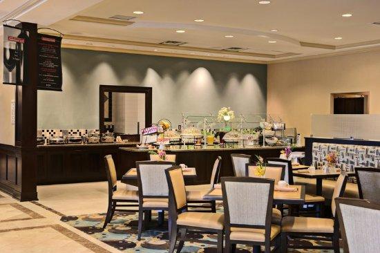Hilton Garden Inn Denver Tech Center: Breakfast Buffet