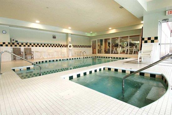 Twinsburg, OH: Indoor Heated Pool