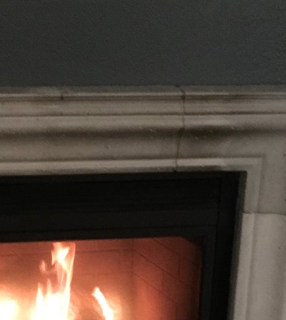 Owatonna, MN: Beautiful fireplace in suite