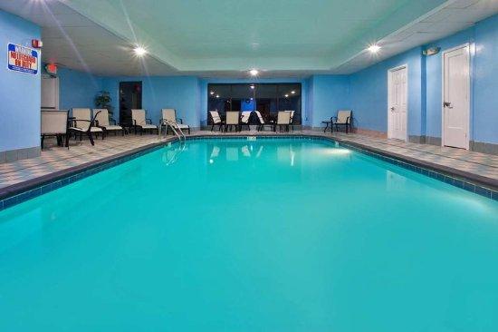 Pickerington, OH: Pool