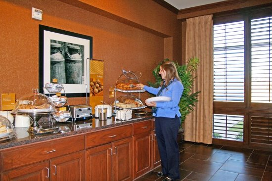 Stephenville, TX: Breakfast Hostess