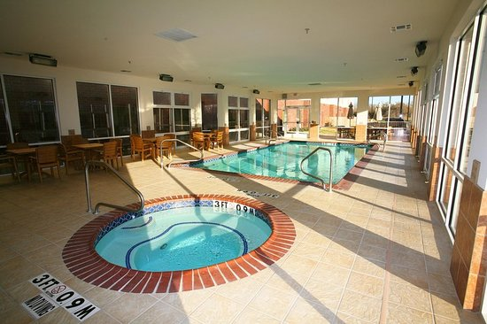 Stephenville, TX: Pool and Whirlpool