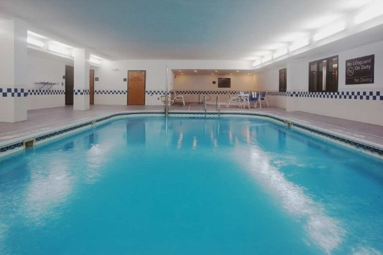 Thornton, CO: Swimming Pool