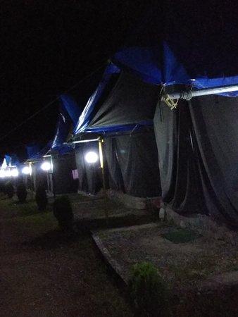 Pangot, Indien: IMG_20170909_222041_large.jpg