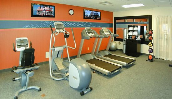 Hampton Inn & Suites Highland: Fitness Center