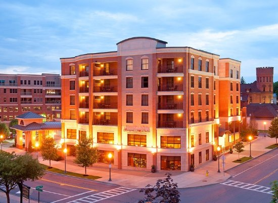 Hampton inn suites saratoga springs downtown updated for Hotels saratoga springs new york