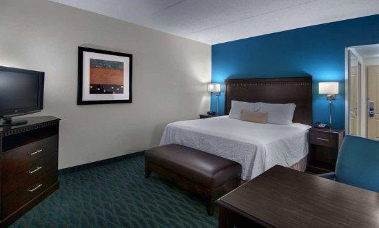 Smithfield, VA: King Room