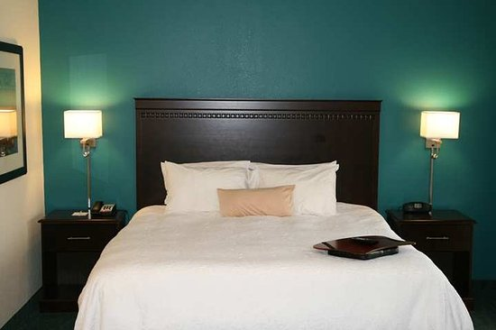 Smithfield, VA: King Bed