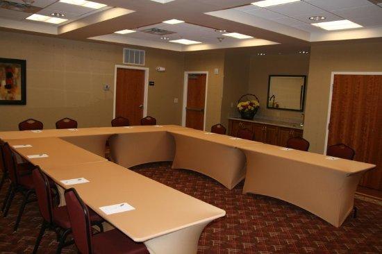 hampton inn suites plattsburgh 125 1 3 9 updated. Black Bedroom Furniture Sets. Home Design Ideas