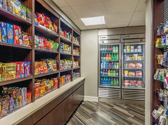 La Quinta Inn & Suites Atlanta Perimeter Medical: PropertyAmenity