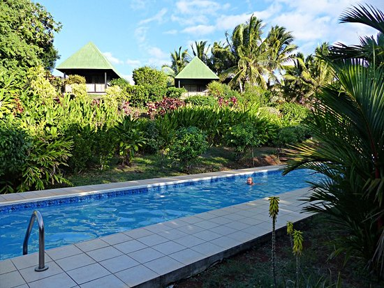 Labasa, Fiji: Lovely clean pool below the accomodation