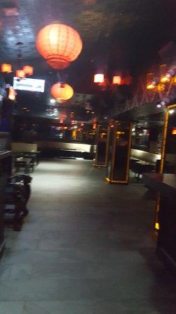 Wyndham Garden Chinatown: Mr. chow restaurant downstairs
