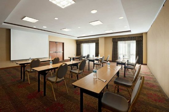 The Woodlands, TX: Pine 1 Meeting Room
