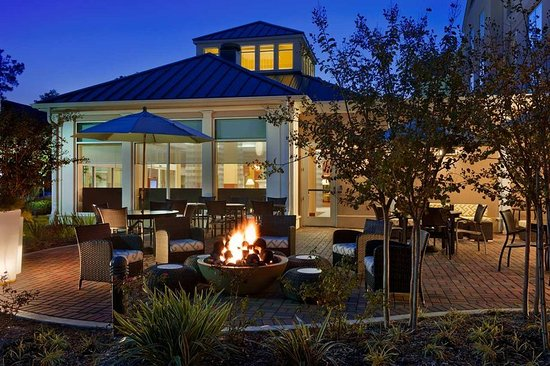 The Woodlands, TX: Outdoor Seating Area