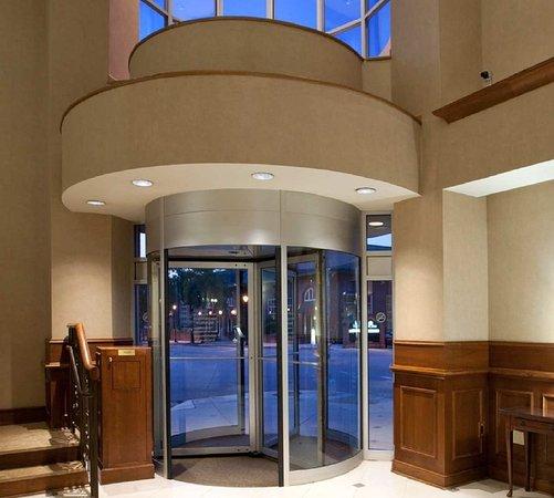 Athens, GA: Hotel Entrance