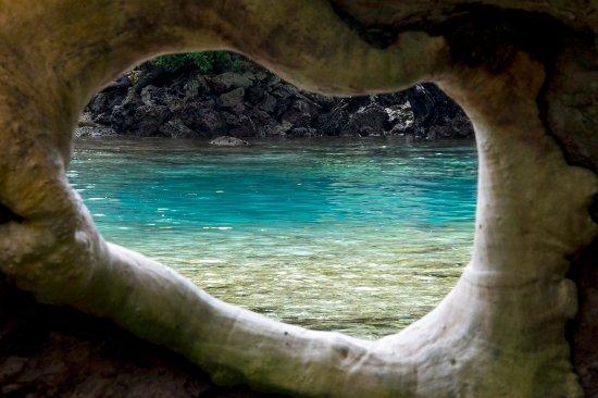Espiritu Santo, Vanuatu: Beautiful clear blue water on an overcast day