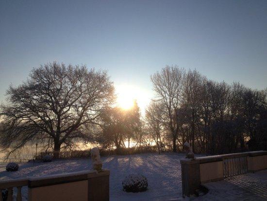 Wintersonnenuntergang auf Schloss Storkau - Picture of ...
