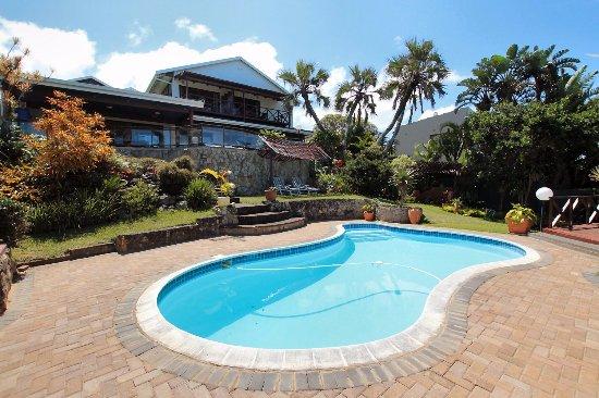 Wailana Beach Lodge: House from Pool