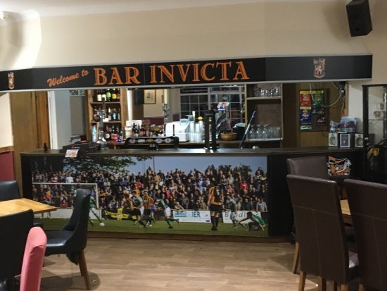 Bar Invicta Stripes Club