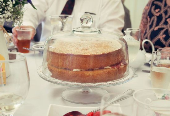 The Departure Lounge Cafe: Cakes