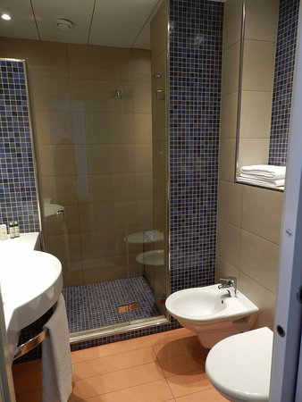 Continental Parkhotel: Bathroom