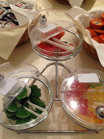 Continental Parkhotel: Gummy Bears on the breakfast buffet