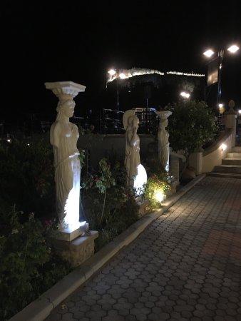 Dimitris Garden Restaurant and Bar: photo2.jpg