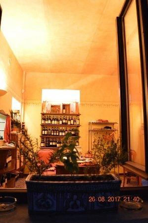 Monchiero, Włochy: Osteria Giro di Vite c'è!!!