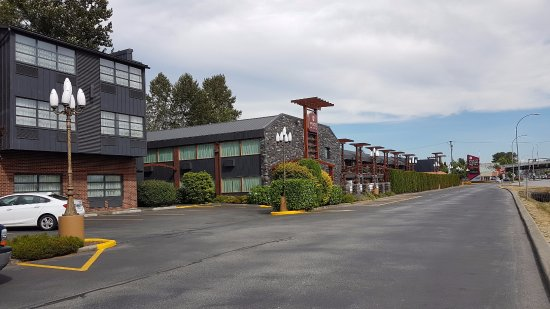 Port Coquitlam, Canada: Hotel area and rooms