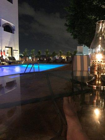 Hodelpa Nicolas de Ovando: abends am Pool