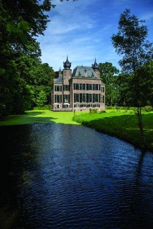 Landgoed Kasteel Oud-Poelgeest: Uitzicht op het Kasteel