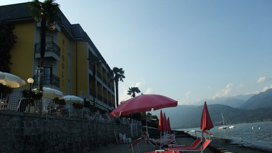 Hotel Rigoli: Hotel with its own beach and access to the lake