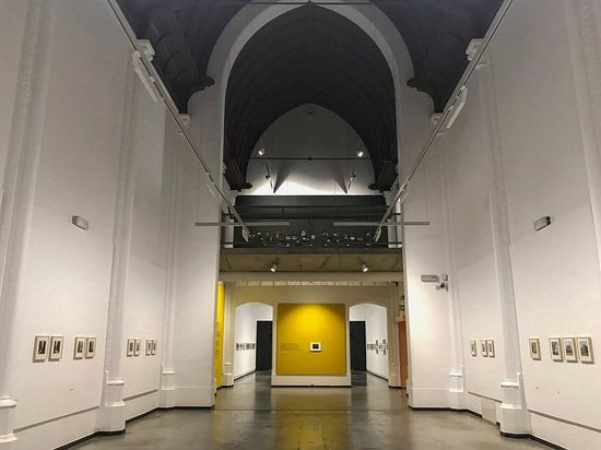 Musée de la Photographie : The very spacious main gallery area of the Charleroi's museum of Photography
