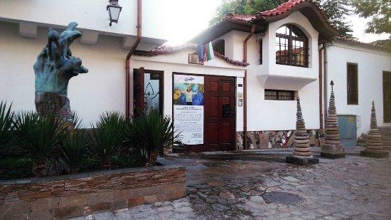 Anastas Gallery