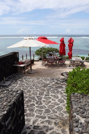 La Maison D'ete Hotel: Great views and outdoor dining option