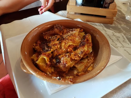 Budrio, Italy: lasagne alla bolognese
