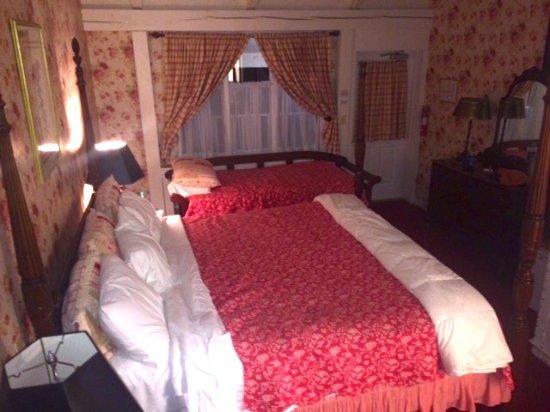 Kent, CT: Quaint and comfortable room