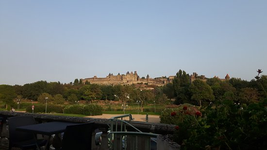 Carcassonne Guesthouse: View from terrace
