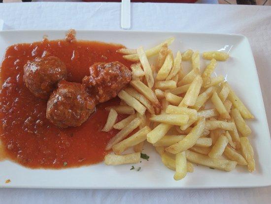 Restaurante Pacomari: albondigas con patatas (menu)