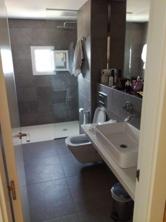 Hotel Levante: bagno della camera